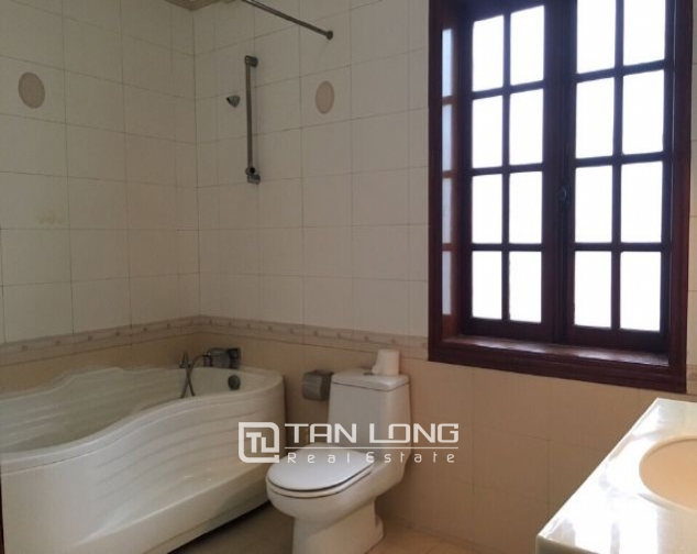 4 storey house to rent in Tay Ho street, no furniture 4