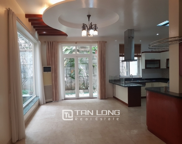 5 bedroom apartment for rent at Ciputra, Tay Ho distr., Hanoi 1