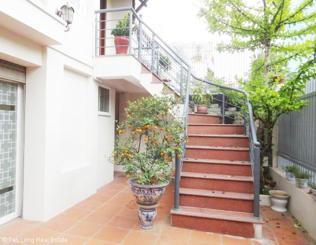 5 bedroom house for rent in Vuon Dao, Lac Long Quan St, Tay Ho dist, $1500 2