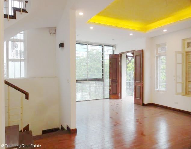 5 bedroom house for rent in Vuon Dao, Lac Long Quan St, Tay Ho dist, $1500 10