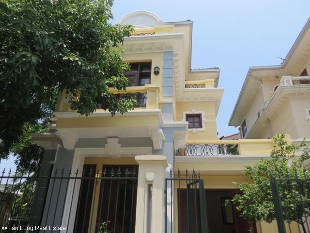 5 bedroom villa with garden for rent in D4 Ciputra, Bac Tu Liem dist, Hanoi 1