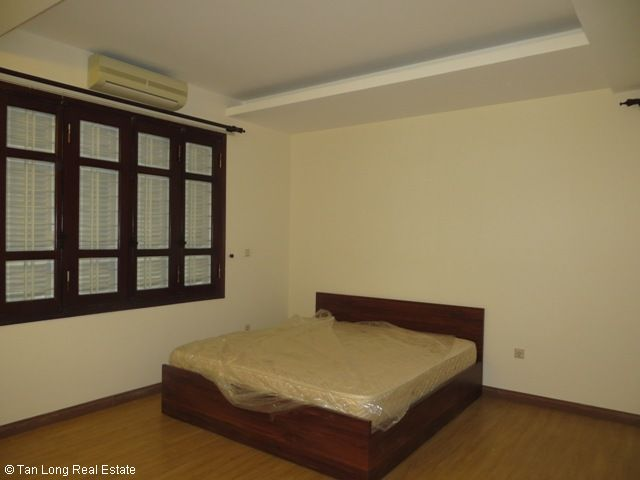 5 bedrooms, a green fully furnished villa for rent in Trung Hoa Nhan Chinh area, Cau Giay district, Hanoi 9