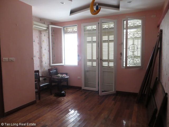 5 bedrooms, a nice house for rent on Trung Kinh street, Yen Hoa, Cau Giay district 10