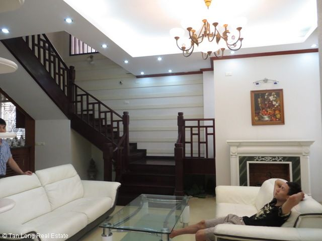 5 bedrooms, a nice house for rent on Trung Kinh street, Yen Hoa, Cau Giay district 6