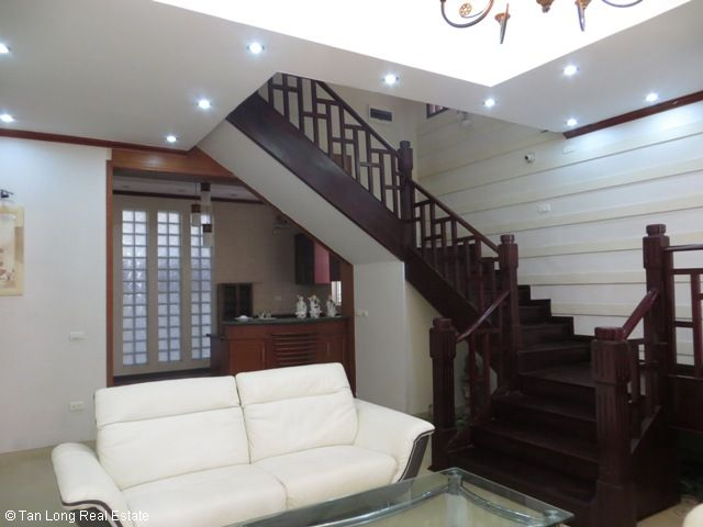 5 bedrooms, a nice house for rent on Trung Kinh street, Yen Hoa, Cau Giay district 8