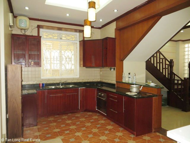5 bedrooms, a nice house for rent on Trung Kinh street, Yen Hoa, Cau Giay district 9