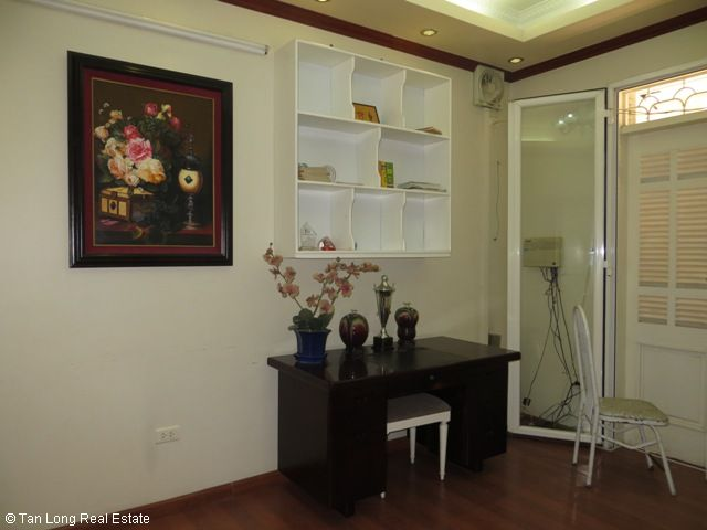 5 bedrooms, a nice house for rent on Trung Kinh street, Yen Hoa, Cau Giay district 2