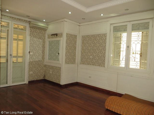 5 bedrooms, a nice house for rent on Trung Kinh street, Yen Hoa, Cau Giay district 4