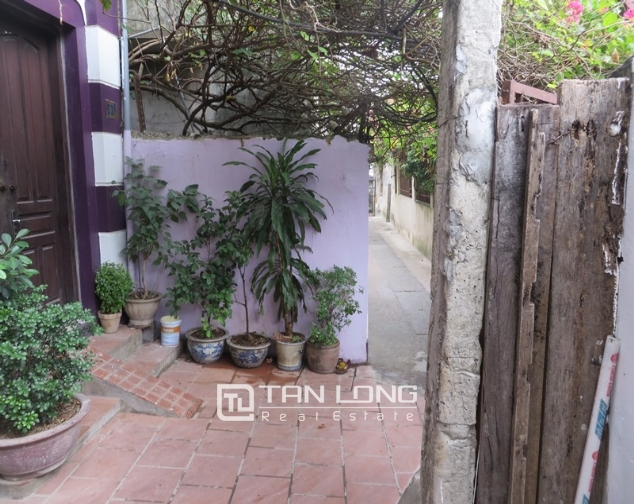 5 storey house for sale in Hoang Hoa Tham, Ba Dinh, Hanoi 1