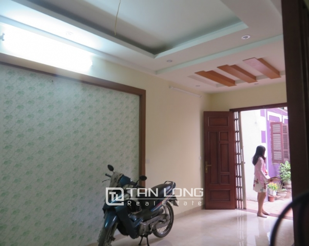 5 storey house for sale in Hoang Hoa Tham, Ba Dinh, Hanoi 2