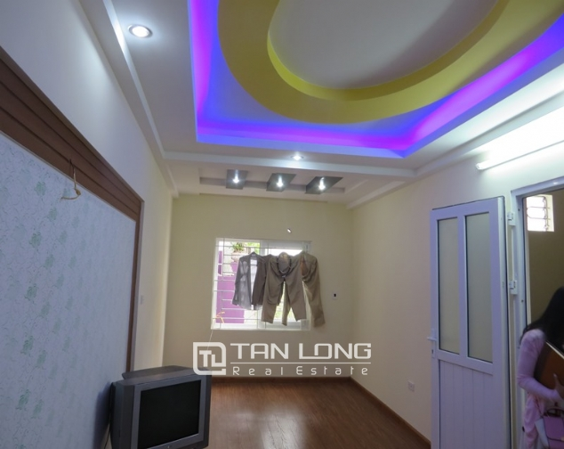 5 storey house for sale in Hoang Hoa Tham, Ba Dinh, Hanoi 6