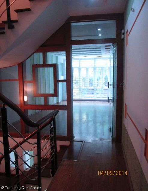 5.5 storey house for sale in Lang Ha, Dong Da district, Hanoi. 4