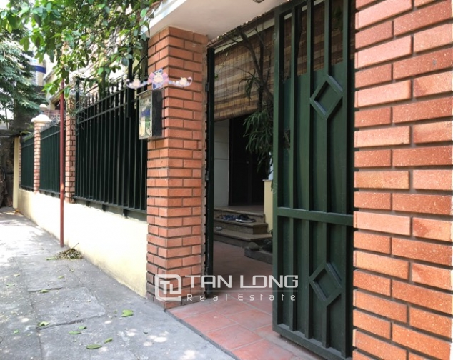 5-bedroom house for rent in Dang Thai Mai street 1