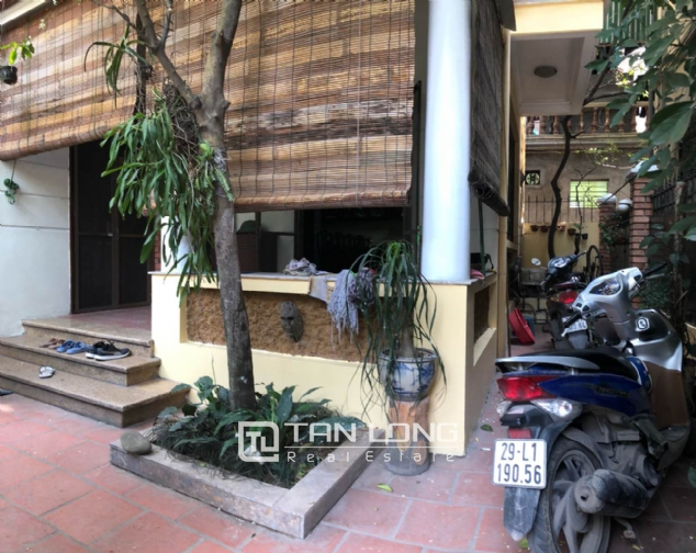 5-bedroom house for rent in Dang Thai Mai street 2