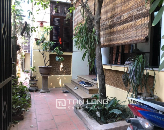 5-bedroom house for rent in Dang Thai Mai street 3