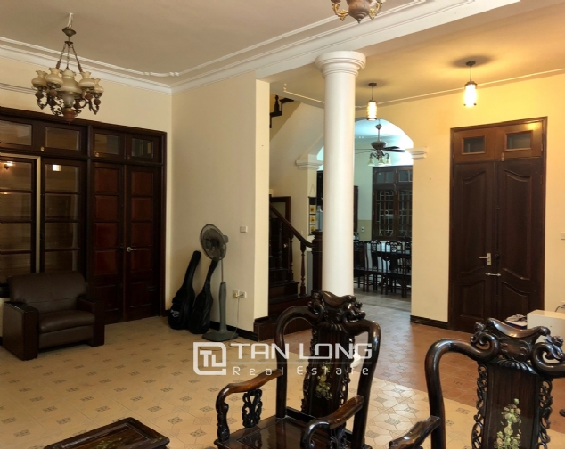 5-bedroom house for rent in Dang Thai Mai street 4