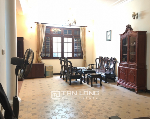 5-bedroom house for rent in Dang Thai Mai street 7