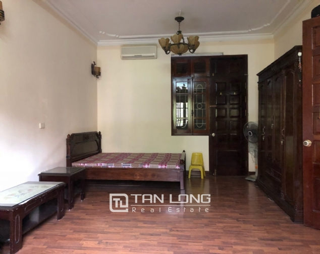 5-bedroom house for rent in Dang Thai Mai street 8