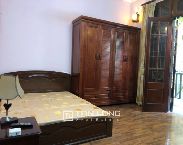 5-bedroom house for rent in Dang Thai Mai street 10