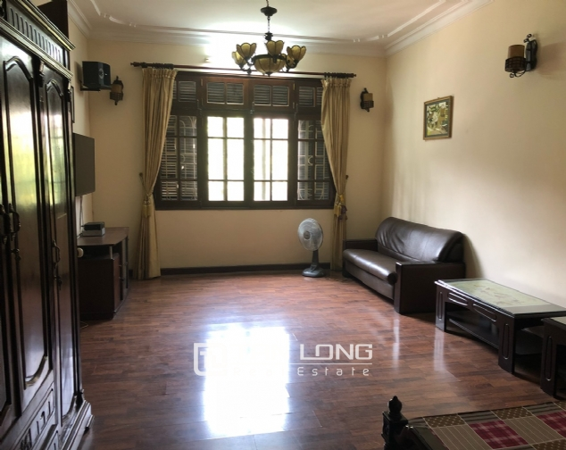 5-bedroom house for rent in Dang Thai Mai street 9