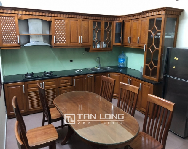 5-bedroom house on Xuan Dieu for rent 4