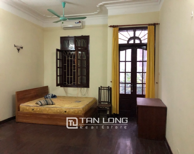 5-bedroom house on Xuan Dieu for rent 7