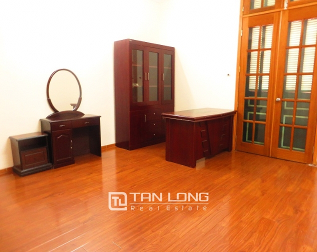 6 bedroom house for rent in Thong Phong lane, Ton Duc Thang street, Dong Da district 5
