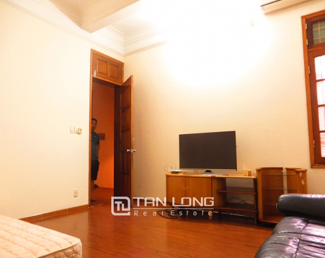 6 bedroom house for rent in Thong Phong lane, Ton Duc Thang street, Dong Da district 7