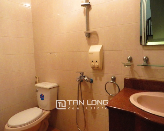 6 bedroom house for rent in Thong Phong lane, Ton Duc Thang street, Dong Da district 10