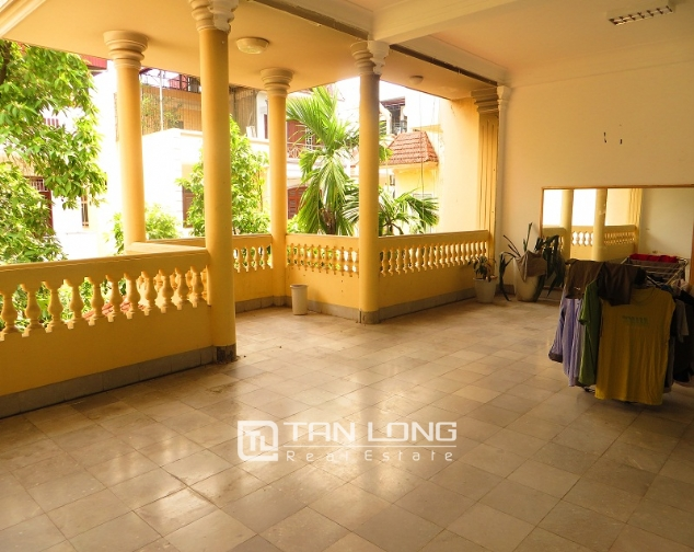 6 bedroom house for rent in Thong Phong lane, Ton Duc Thang street, Dong Da district 1