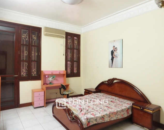 6 bedroom villa for lease in Hoang Hoa Tham str, Ba Dinh dist, Hanoi 1