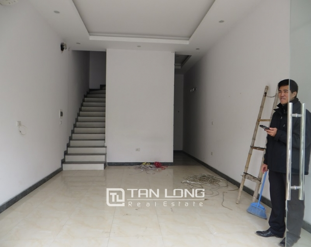 6-storey house for rent in Mac Thai To str, Cau Giay dist, Hanoi 1