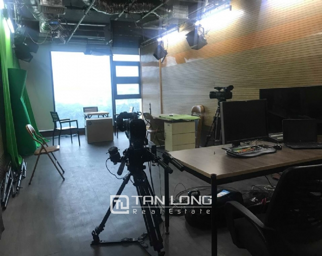 9 stories building for rent on Pham Huy Thong street, Ba Dinh 6