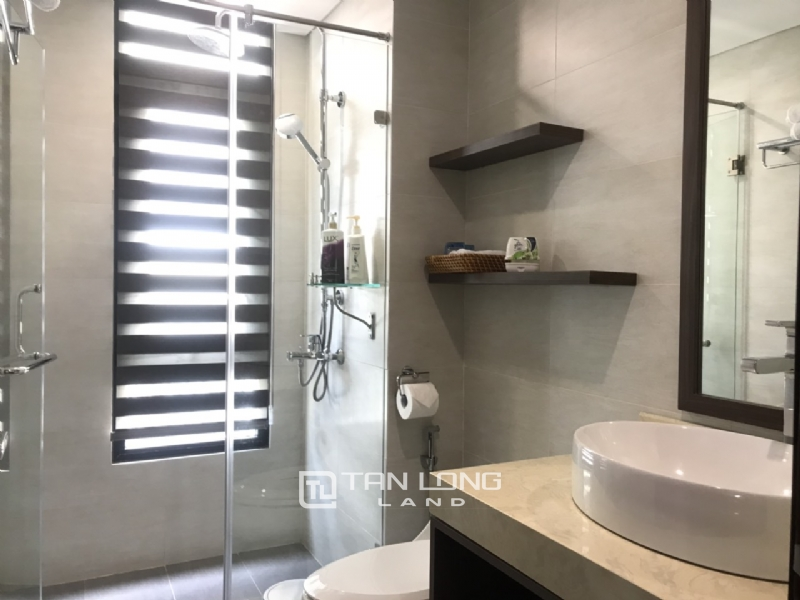 90sqm-2 bedrooms apartment for rent in Au Co street, Tay ho district 2