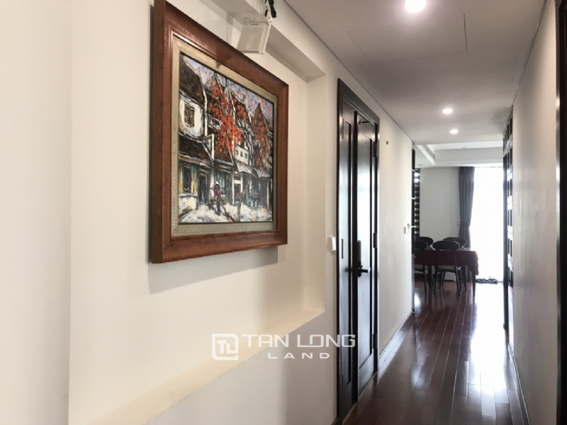 90sqm-2 bedrooms apartment for rent in Au Co street, Tay ho district 3