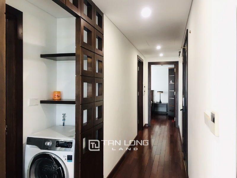 90sqm-2 bedrooms apartment for rent in Au Co street, Tay ho district 5