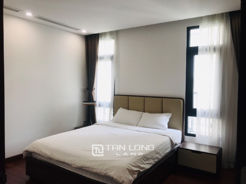 90sqm-2 bedrooms apartment for rent in Au Co street, Tay ho district 6