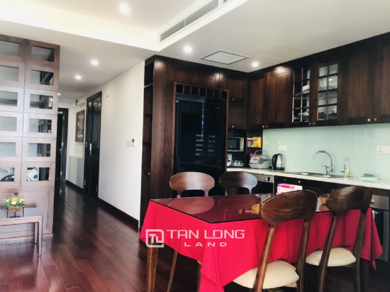 90sqm-2 bedrooms apartment for rent in Au Co street, Tay ho district 7