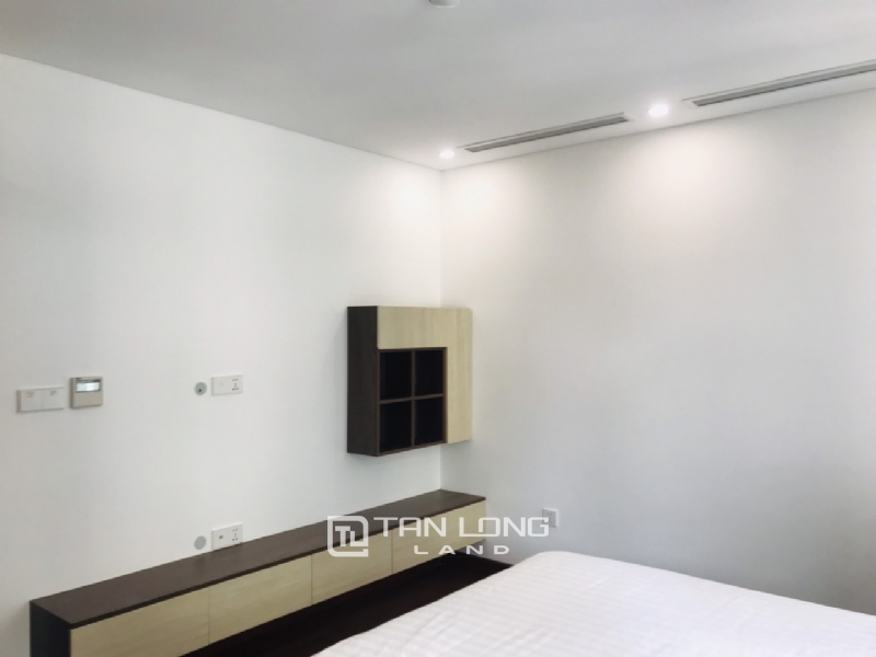 90sqm-2 bedrooms apartment for rent in Au Co street, Tay ho district 9