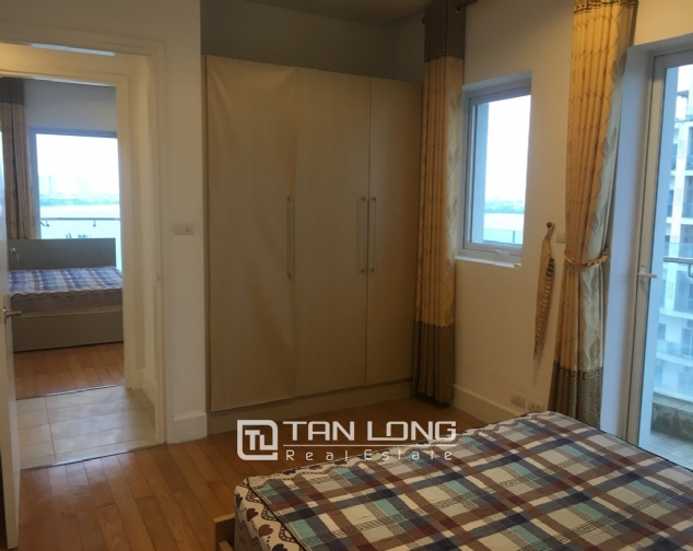 A 2-bedroom apartment for rent on Golden Weslake! 9