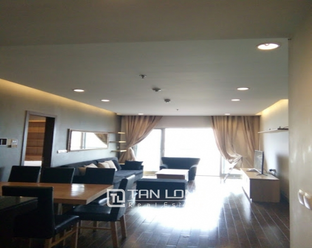 A 2-bedroom apartment for rent on Lancaster 20 Nui Truc! 1