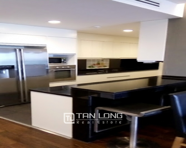 A 2-bedroom apartment for rent on Lancaster 20 Nui Truc! 3