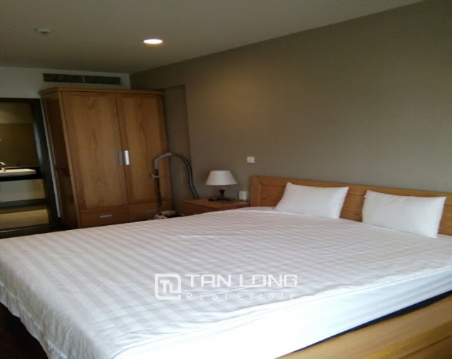 A 2-bedroom apartment for rent on Lancaster 20 Nui Truc! 7