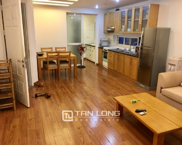 A 2-bedroom apartment for rent on Xuan Dieu street, Tay Ho district! 3