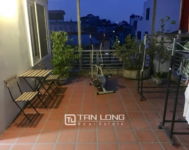 A 2-bedroom apartment for rent on Xuan Dieu street, Tay Ho district! 2