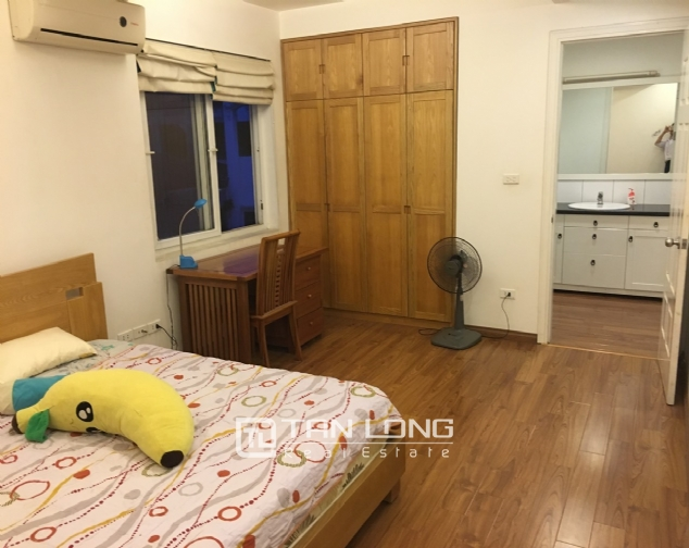 A 2-bedroom apartment for rent on Xuan Dieu street, Tay Ho district! 6