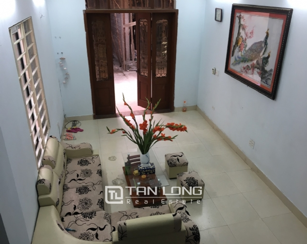A 2-bedroom house for rent on Dang Thai Mai street, Tay Ho district! 3