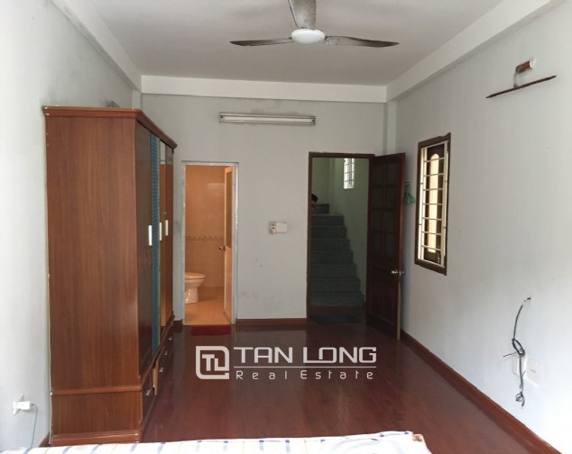 A 2-bedroom house for rent on Dang Thai Mai street, Tay Ho district! 5