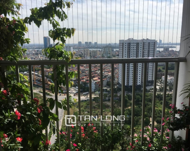 A 3-bedroom apartment for rent in Tay Ho district! 7
