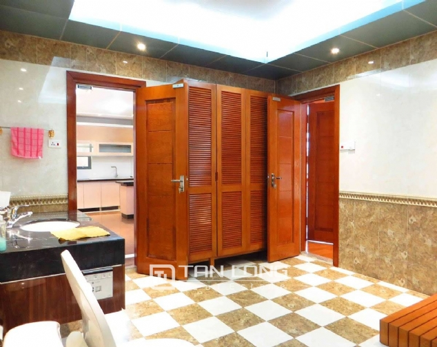 A 3-bedroom apartment for rent on Doi Can street, Ba Dinh district! 8